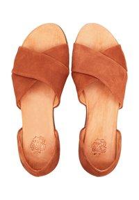 Apple of Eden - CHIUSI - Sandals - mittelbraun - 1