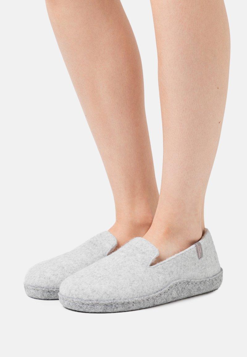 Copenhagen Shoes - ROSITA - Pantoffels - grey