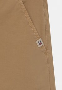 Tommy Hilfiger - MODERN STRAIGHT - Pantaloni - classic khaki - 3
