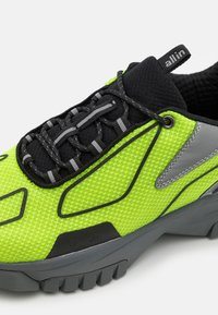 all in - XOX UNISEX - Sneakers laag - green/black - 5