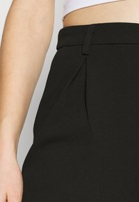 Even&Odd - TAPERED PANTS WITH DART DETAIL  - Trousers - black - 4