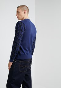 Versace Jeans Couture - MAGLIERIA - Jumper - blue - 2