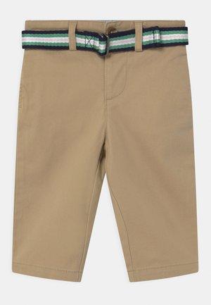 Chino kalhoty - classic khaki