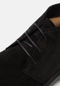 GANT - KYREE - Volnočasové šněrovací boty - black - 5