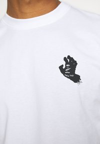 Santa Cruz - UNISEX CONTRA HAND MONO - Print T-shirt - white - 5