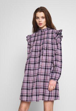 ENDONNA DRESS - Kjole - rose