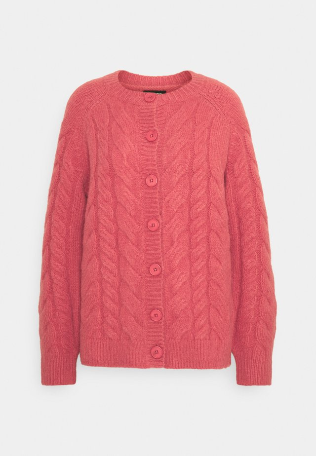 CABLE CARDIGAN - Gilet - coral