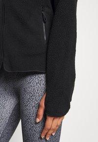 ARKET - Fleecová bunda - black - 5