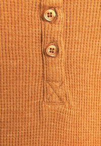 Cotton On - WINNIE WAFFLE SCOOP HENLEY LONG SLEEVE  - Long sleeved top - rust - 2