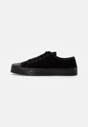 MILTARY LOW TOP - Trainers - black