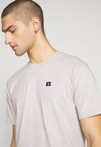Russell Athletic Eagle R - BASELINERS TEE  - T-shirt basic - new grey - 4