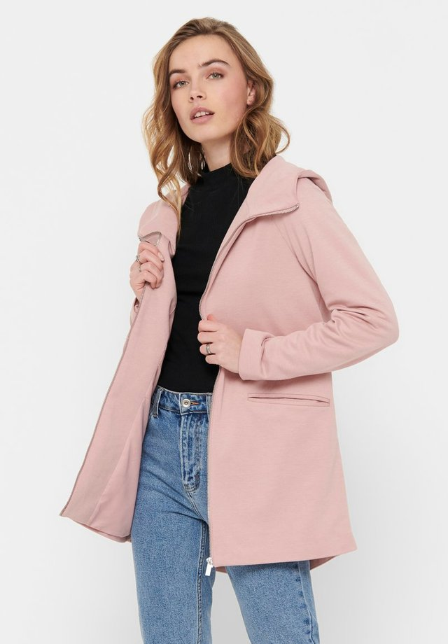 Abrigo corto - rose tan