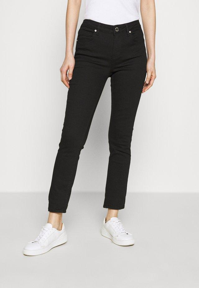 SALLY BOSS - Jeans Skinny - black denim