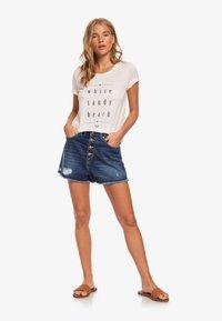 Roxy - ROXY™ CHASING THE SWELL - T-SHIRT FOR WOMEN ERJZT04795 - Print T-shirt - peach blush - 1
