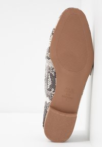 New Look Wide Fit - WIDE FIT JUCKS  - Slip-ons - stone - 6