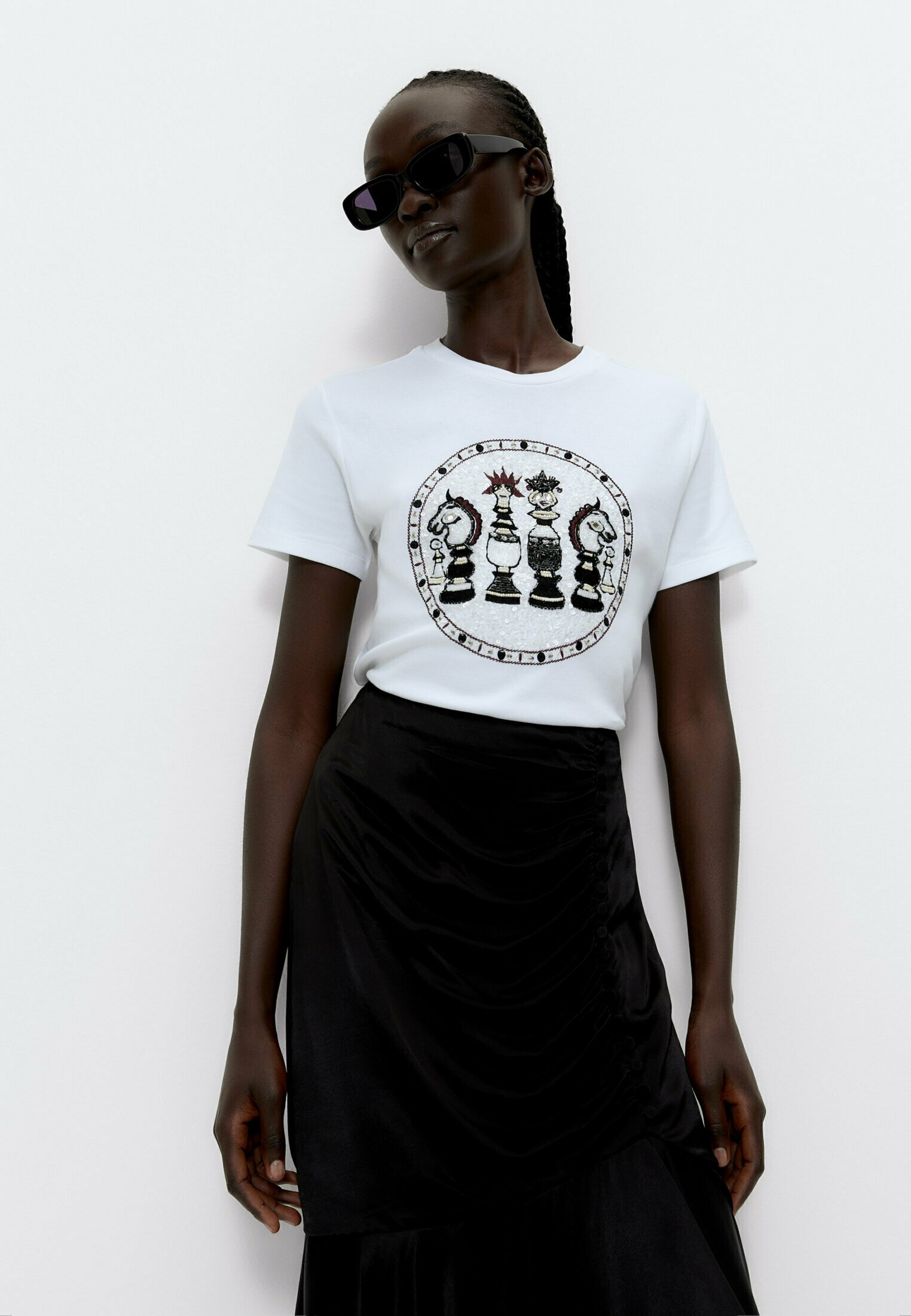 Damen CHESS PIECE  WITH EMBROIDERY AND RHINESTONES  - T-Shirt print