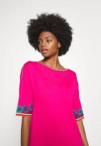Ivko - DRESS INTARSIA PATTERN - Strikket kjole - pink - 4