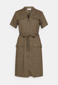 Moss Copenhagen - ERIA EMERSON DRESS - Košilové šaty - grape leaf - 4