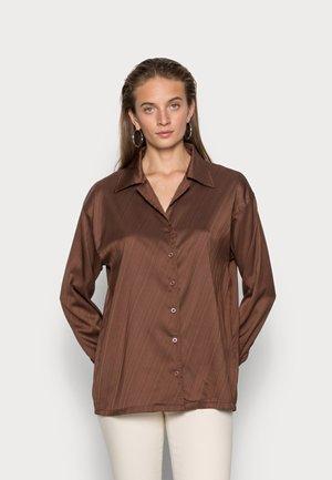 JACQUARD SHIRT - Pusero - brown