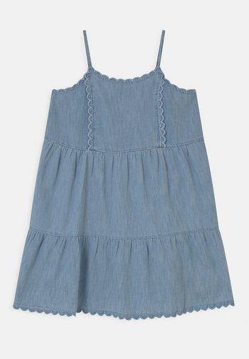 GIRL TIERD SCALLOP  - Denim dress - light-blue denim