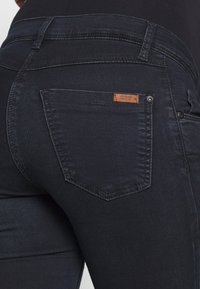 LOVE2WAIT - SOPHIA - Slim fit jeans - dark aged - 5