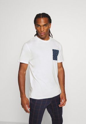 ONSMAXI LIFE POCKET TEE - T-shirt print - cloud dancer