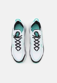 Nike Sportswear - AIR MAX 2090 UNISEX - Sneakers basse - white/tropical twist/black - 3