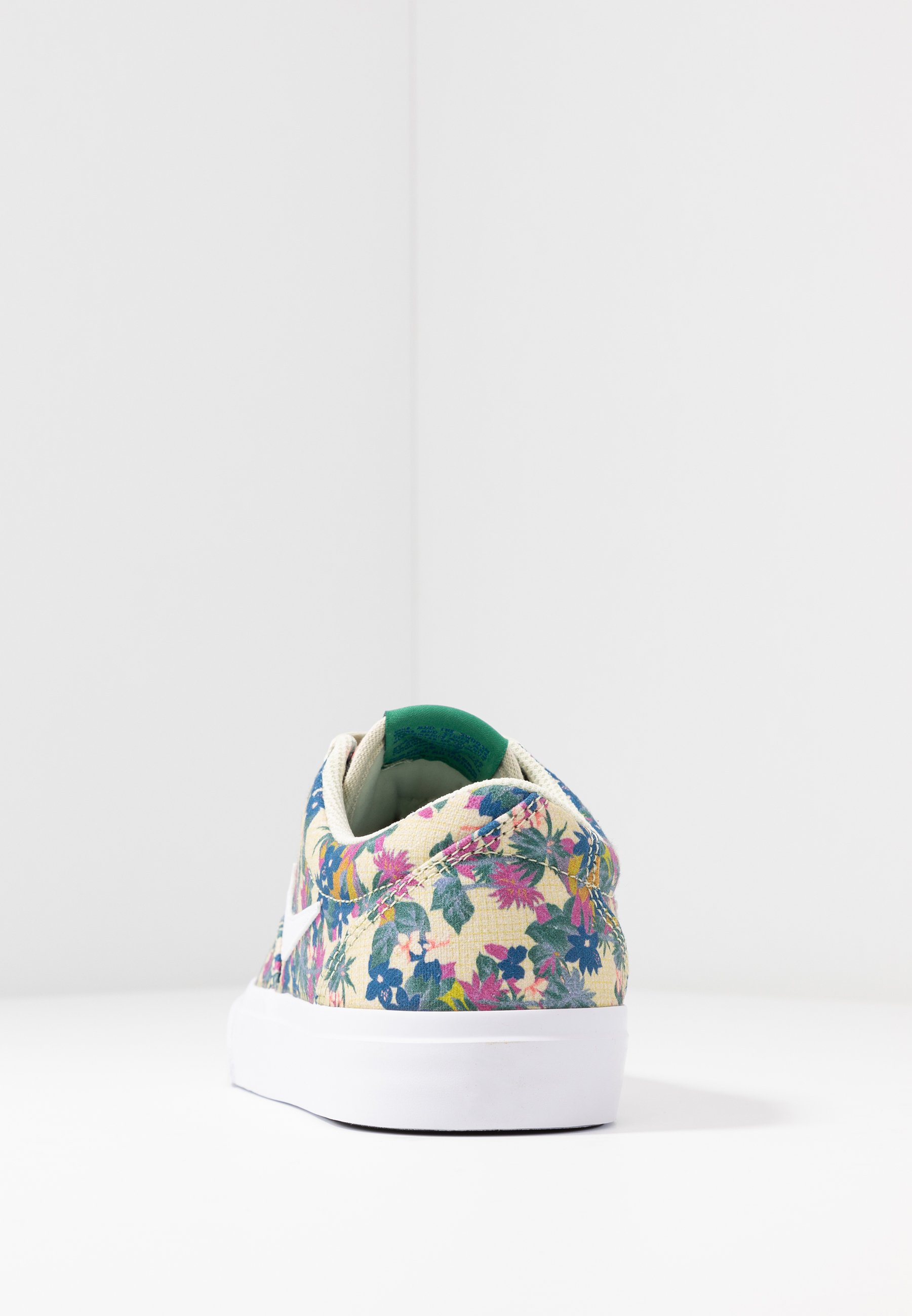 Nike Sb Charge - Sneakers Fossil/white/evergreen Aura