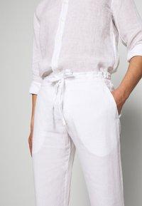 120% Lino - TROUSERS - Pantalon classique - white - 5