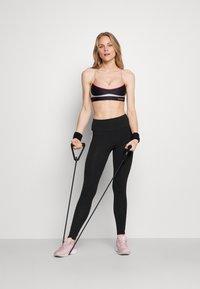 Pink Soda - BAY TAPE LEGGING - Leggings - black - 1
