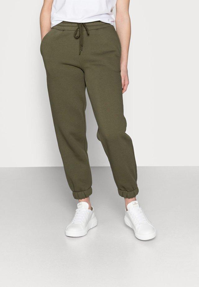 NMPERCY PANT - Pantaloni sportivi - kalamata