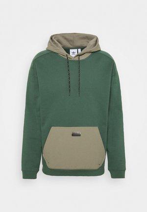 UTILITY HOODY - Sweatshirt - green oxide/clay