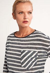 comma casual identity - Long sleeved top - black stripes - 4