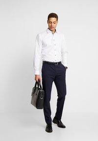 OLYMP No. Six - OLYMP NO.6 SUPER SLIM FIT  - Formal shirt - marine - 1