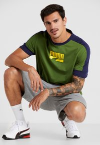 Puma - REBEL BLOCK TEE - T-Shirt print - garden green - 1