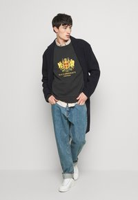 Han Kjøbenhavn - Relaxed fit jeans - heavy stone - 1