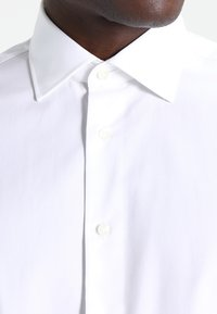 Tommy Hilfiger Tailored - FITTED - Formal shirt - white - 3