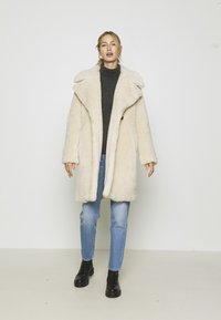 Vero Moda - VMLYNNE JACKET - Short coat - oatmeal - 1