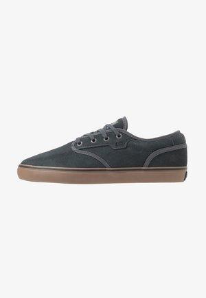 MOTLEY - Skate shoes - battleship/tobacco