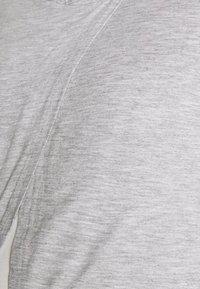 Anna Field MAMA - T-shirts med print - mid grey mélange - 5