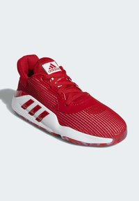 adidas Performance - PRO BOUNCE 2019 LOW SHOES - Basketball shoes - red - 3