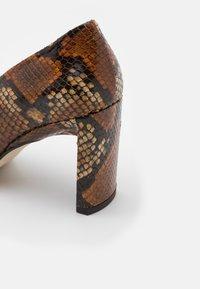 MIISTA - ALICJA AUBURN  - High heels - multicolor - 4