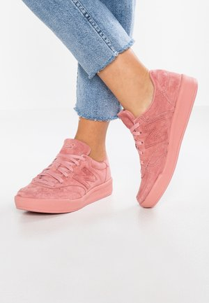 WRT300 - Trainers - dusted peach
