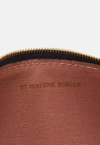 By Malene Birger - BAE SMALL - Wash bag - black - 4