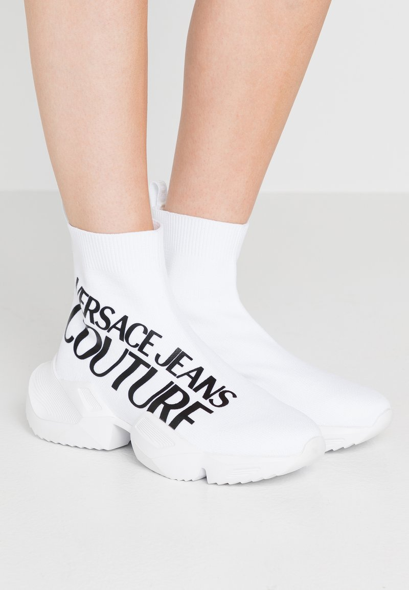 Versace Jeans Couture - Sneakersy wysokie - white