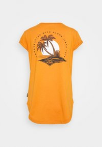 Dakine - EUGENE TEE - Sports shirt - desert sun - 1