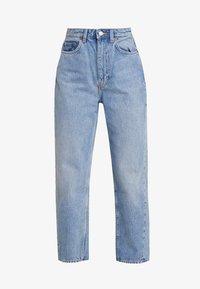 MEG HIGH MOM WASHED BACK - Straight leg jeans - air blue