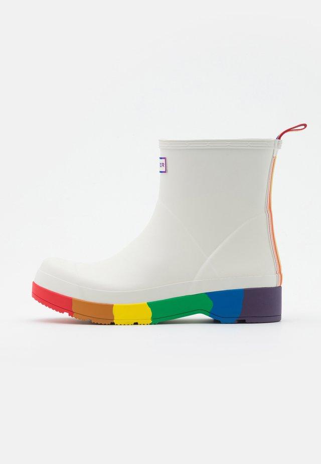 ORIGINAL PRIDE PLAY BOOTS  - Gummistiefel - white