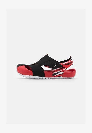 FLARE UNISEX - Basketball shoes - black/white/unerversity red