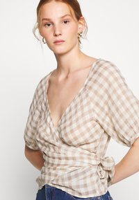 Madewell - LUCY WRAP IN GINGHAM - Bluser - brown/white - 4
